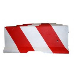 Betonová svodidla, bariéra U 14 b 2 oboustranně malovaná  bílé a červené